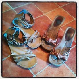 chaussures : un type confortable - jour, un autre plus joli - soir