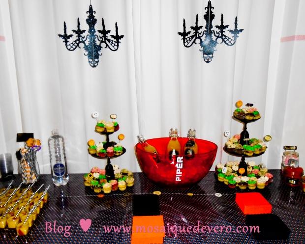 oh! la jolie table décorée ... mmm, que de bonnes choses!